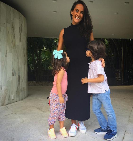 Francisca com os filhos (Foto: Reprodução)