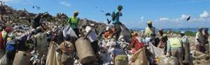Catadores relatam a vida sobre 60 milhões de toneladas de lixo (Janaína Carvalho/G1)