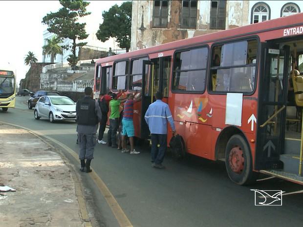 Número de assaltos a ônibus em São Luís já supera marca dos 500 (Foto: Reprodução/TV Mirante)