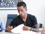 Barrios assina, e Grêmio oficializa contratação por uma temporada