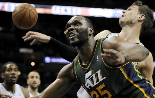 Tiago Splitter e Al Jefferson, NBA - AP (Foto: AP)