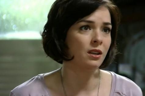 Regiane Alves é Renata em 'Sangue bom' (Foto: Reprodução)