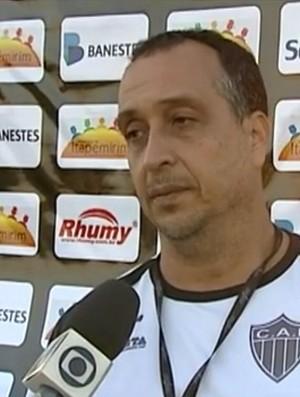 Charles de Almeida, técnico do Atlético Itapemirim (Foto: Reprodução/TV Gazeta Sul)