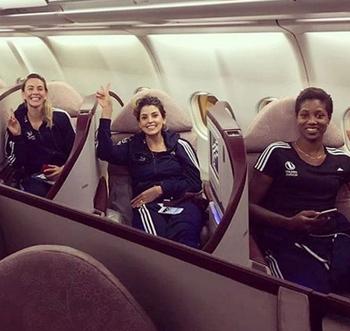 Mari Paraíba postou foto do embarque com o time suíço para as Filipinas (Foto: Reprodução / Instagram)