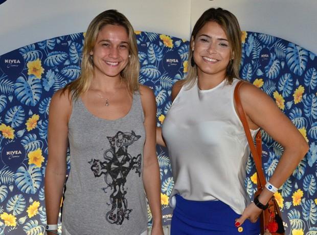 Fernanda Gentil e amiga (Foto: AgNews)