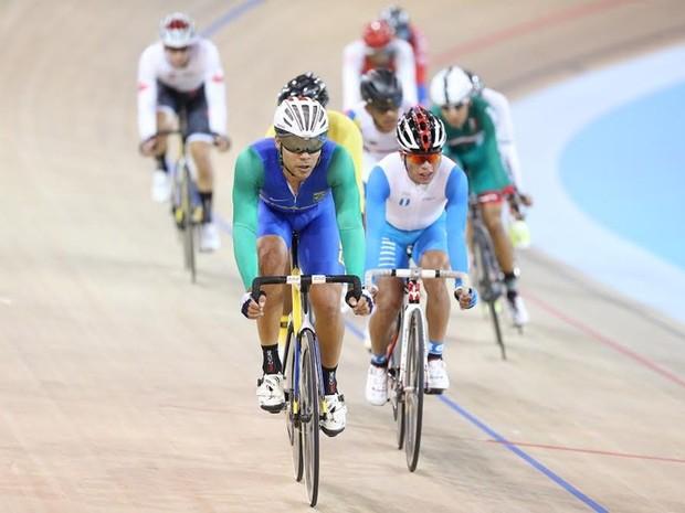 Gideoni Monteiro é único brasileiro no ciclismo de pista (Foto:  Divulgação/COB)