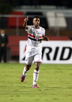 São Paulo x Corinthians Michel Bastos (Foto: Marcos Ribolli)