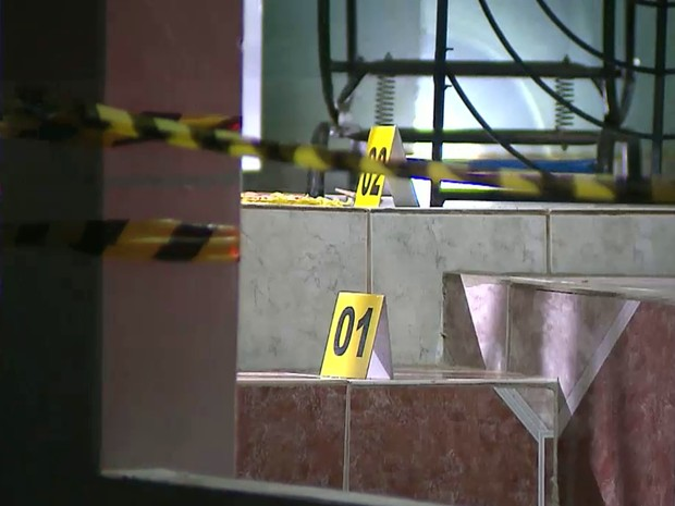 Testemunhas ouviram cinco tiros na porta da casa da vítima, em Livramento, em Santa Rita (Foto: Reprodução/TV Cabo Branco)