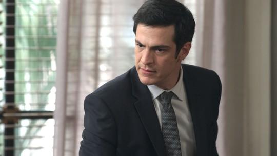 Eric rebate crítica de Maria Pia: 'Bebeth não tem nada a ver com o caos que está a minha vida'