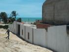 Obra de construção de 10 chalés em falésia é embargada no Ceará