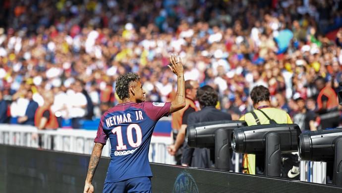Neymar no Parc des Princes (Foto: ALAIN JOCARD / AFP)