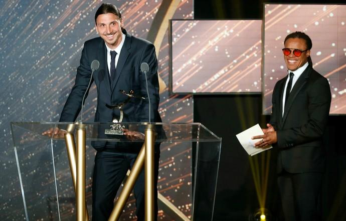 Ibrahimovic PSG prêmio Campeonato Francês (Foto: AFP)