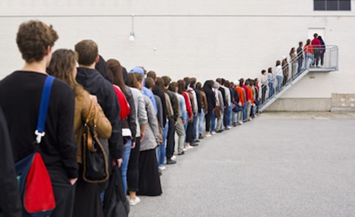 Esperando na fila? Site misterioso só revela conteúdo a quem aguarda por horas (Foto: Pond5)