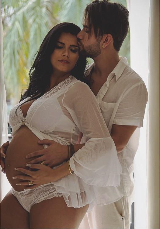 Bianca Leão exibe barriga de oito meses de gestação (Foto: Vagner Souza / MF Models Assessoria)