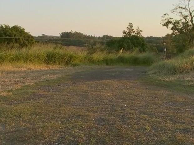 Chácara na zona rural foi invadida e família foi feita refém (Foto: Reprodução/ TV TEM)