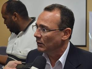 José Sobral, secretário de estado da saúde (Foto: Tássio Andrade/G1)