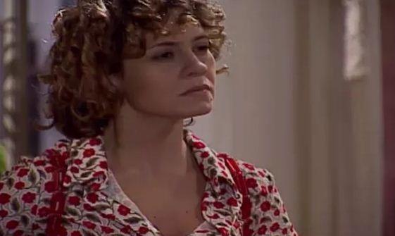 Sandra acusa Lcia de envenenar Alexandre contra ela (Foto: Reproduo/viva)