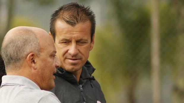 Dunga, técnico do Inter, em Bento Gonçalves (Foto: Diego Guichard)