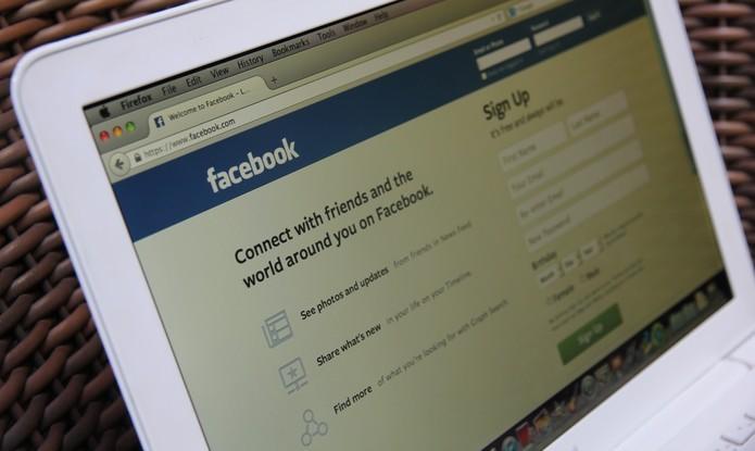 Como ver o conteúdo de uma página de fãs no Facebook para outros países (Anna Kellen Bull/TechTudo) (Foto: Como ver o conteúdo de uma página de fãs no Facebook para outros países (Anna Kellen Bull/TechTudo))