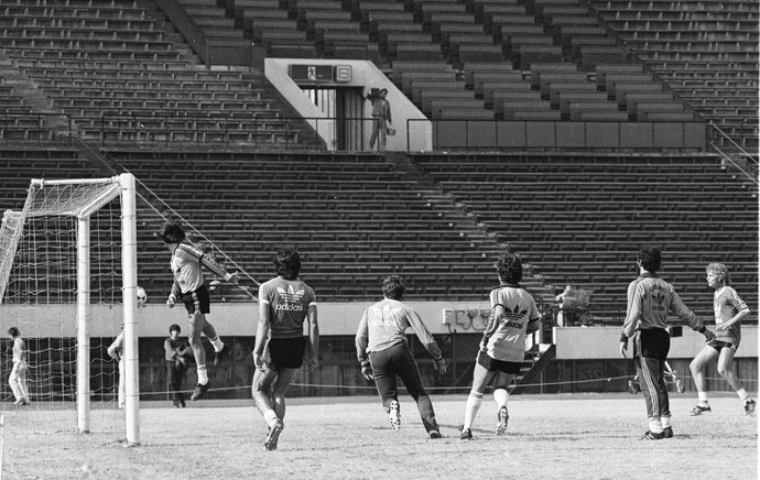 grêmio hamburgo 1983 tóquio treino estádio nacional (Foto: Luiz Ávila/Agência RBS)