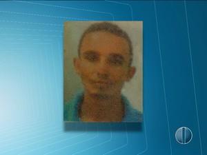 Homem foi morto em frente a sorveteria na Zona Norte da capital (Foto: Reprodução/Inter TV Cabugi)
