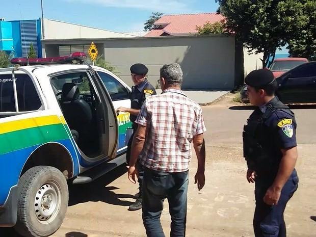 Pai suspeito de estuprar filhas foi preso após denúncia ao Conselho Tutelar (Foto: Jaru Notícia/Reprodução)