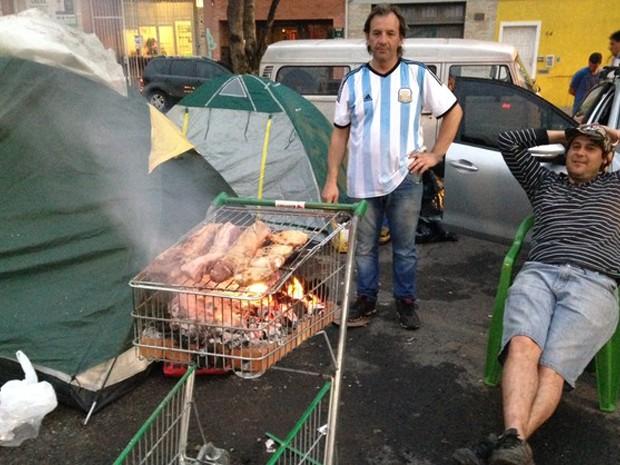 Argentinos parrila porto alegre carrinho supermercado (Foto: Vinícius Guerreiro/G1)