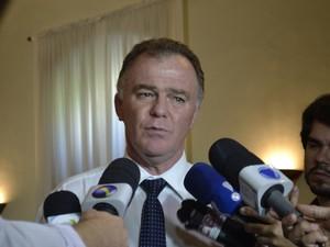 Casagrande afirma que rejeição de contas é manobra política (Foto: Viviane Machado/ G1)