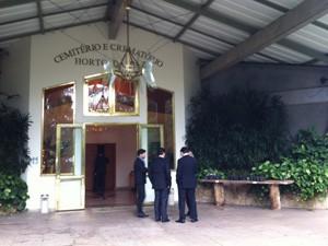 Corpo de Roberto Civita será cremado no Horto da Paz, em Itapecerica da Serra (Foto: Tatiana Santiago/G1)