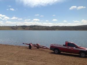 Cinco pessoas estão desaparecidas no Lago Corumbá IV, em Goiás (Foto: Renata Rocha/ TV Anhanguera)