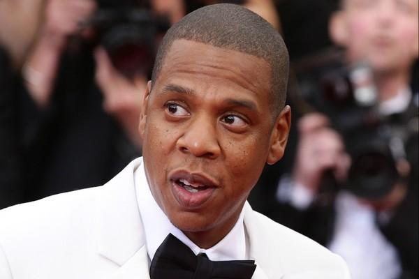 Lá em 2001, Jay-Z foi apontado como pai do filho de uma modelo chamada Shenelle Scott. Ele negou veementemente a acusação e, segundo os rumores, teria pagado 1 milhão de dólares (cerca de 2,3 milhões de reais na época) para não ter o nome dele registrado  (Foto: Getty Images)