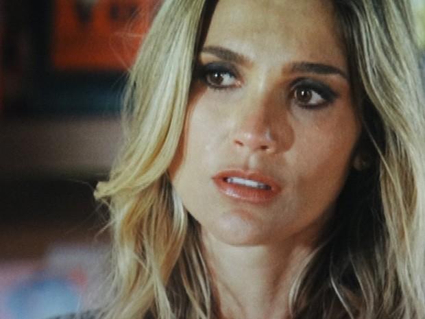Érica fica balançado com o pedido de perdão Théo (Foto: Salve Jorge/TV Globo)