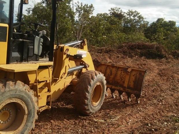Trator foi apreendido em Área de Preservação Permanente (APP) em Água Boa (Foto: Assessoria/Sema-MT)