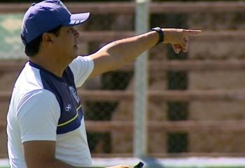 Play Freitas, técnico do Monte Azul (Foto: Reprodução EPTV)