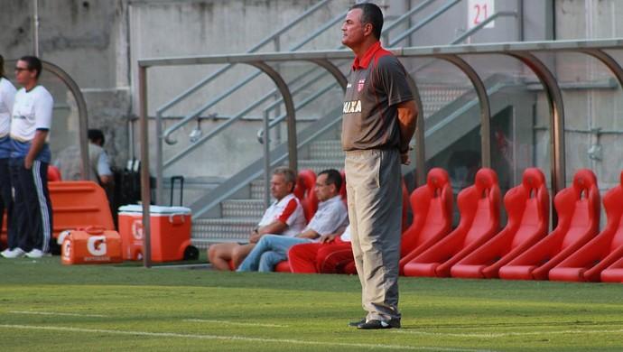 Mazola, técnico do CRB (Foto: Júnior de Melo/Assessoria do CRB)