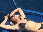 Lavínia Vlasak posta foto de biquíni e mostra corpaço aos 40 anos