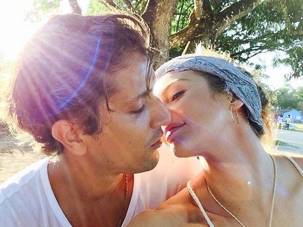 Candice Swanepoel e o noivo, Hermann Nicoli (Foto: Instagram/ Reprodução)