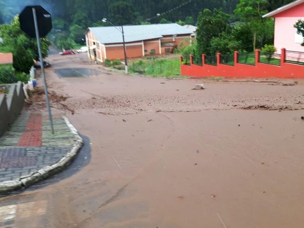 Parte central de Vargeão foi a mais atingida (Foto: Defesa Civil/Divulgação)