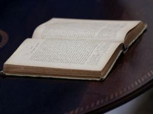 Cartas de alforria estão expostas (Foto: Divulgação/ Semttre)