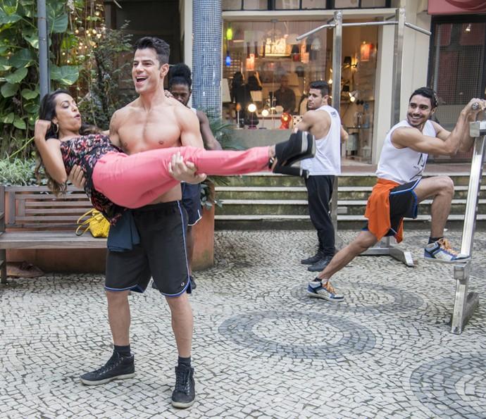 """Dorinha investa o concurso 'Miss Saradão do Bairro de Fátima"""" (Foto: Ellen Soares/Gshow)"""