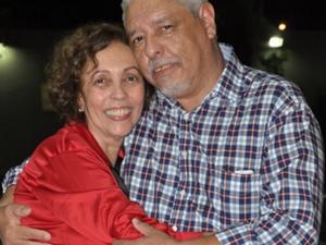Professor Agostinho e a esposa, Annuzia Gósson (Foto: Reprodução/Facebook)