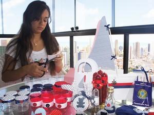 Ana Lúcia é uma mãe que tá dando os primeiros passos para se tornar uma empreendedora na Paraíba (Foto: Inaê Teles/G1)