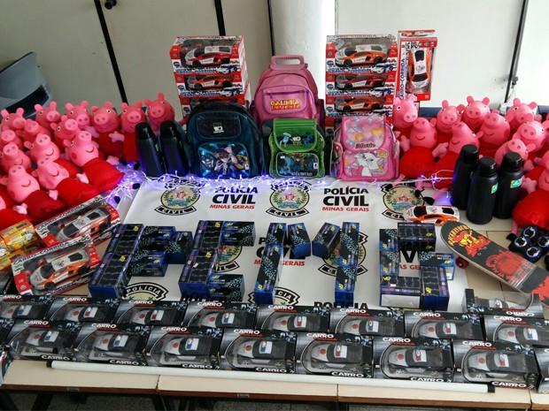 Brinquedos avaliados em R$ 10 mil foram furtados de depósito em Poços  (Foto: Polícia Civil)