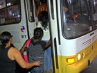 Lei que obriga ônibus a parar fora do ponto para mulheres não é cumprida