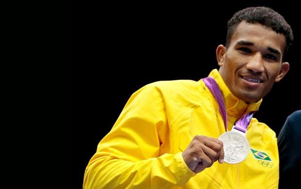 Esquiva Falcão medalha de prata (Foto: AP)