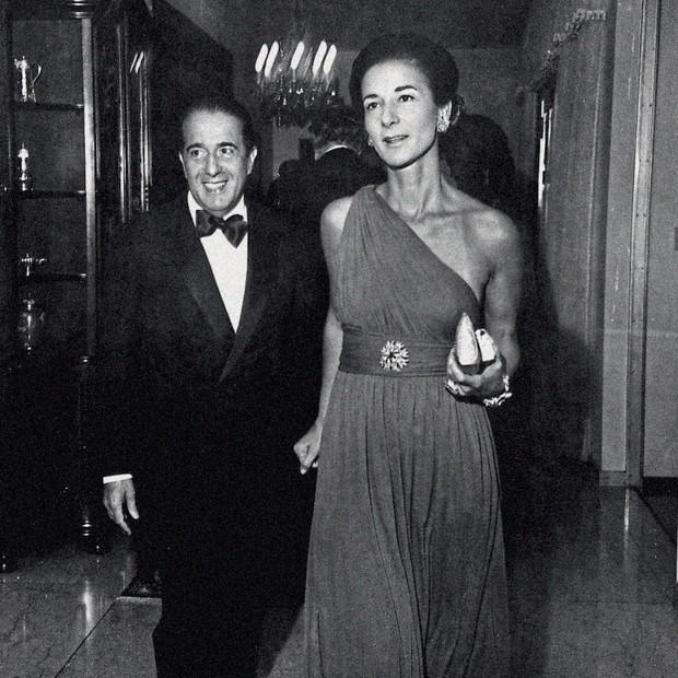 Ao lado do marido, Walther, em 1974 (Foto: Agencia O Globo e Folhapress)