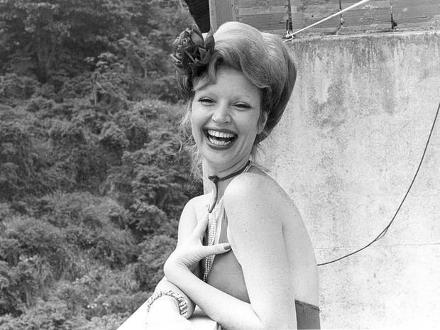 A modelo e atriz Elke Maravilha durante entrevista no Rio de Janeiro em dezembro de 1972 (Foto: Estadão Conteúdo/Arquivo)