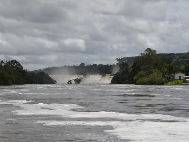 Rio Jari é a divisa entre os estados do Amapá e do Pará (Foto: John Pacheco/G1)