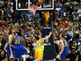 Andre Miller sai do banco, decide, e Denver abre 1 a 0  contra os Warriors