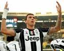 Juve passa pelo Chievo fora com belo gol de falta e segue líder isolado